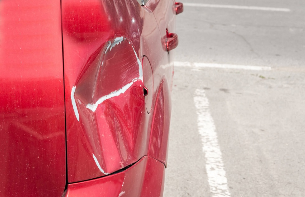 Who is at fault for a car accident in a parking lot in Florida?